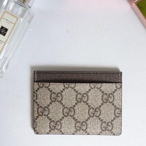 Gucci card holder monogram